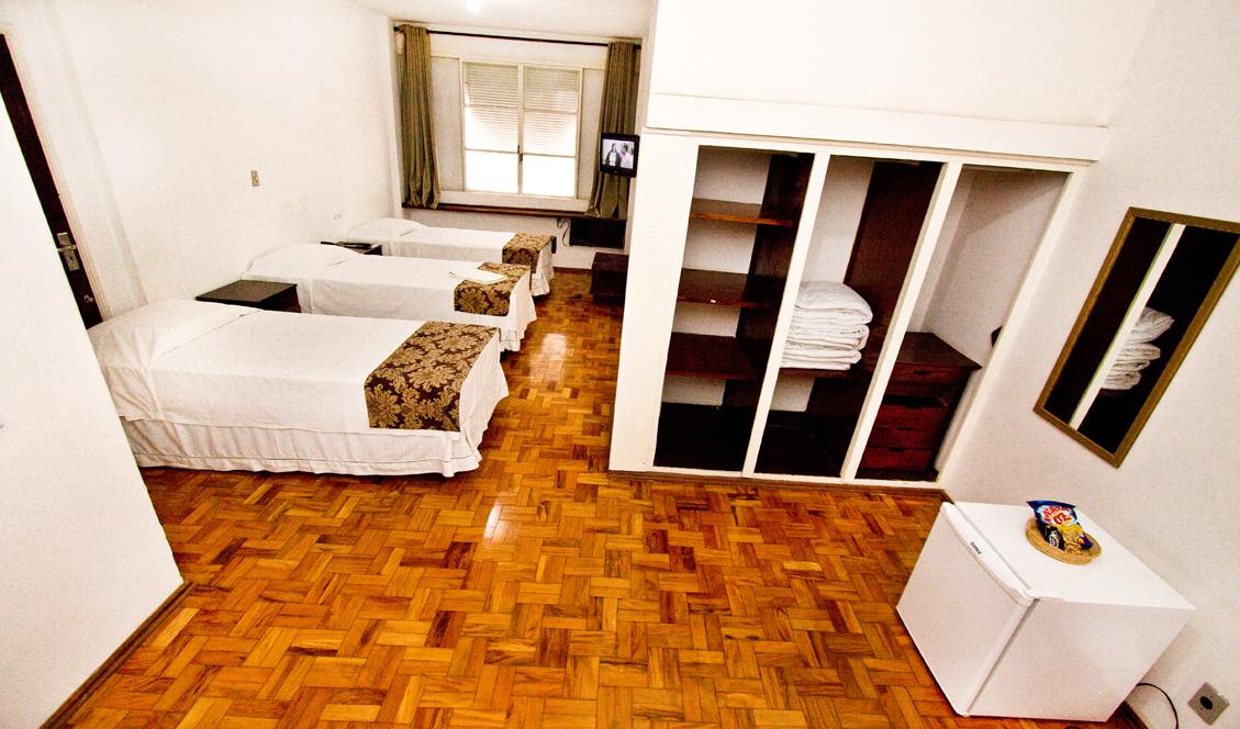Quarto Triplo - 03 camas de solteiro