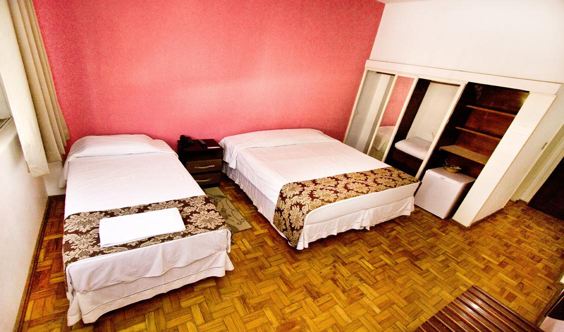 Quarto Duplo - 02 camas de solteiro