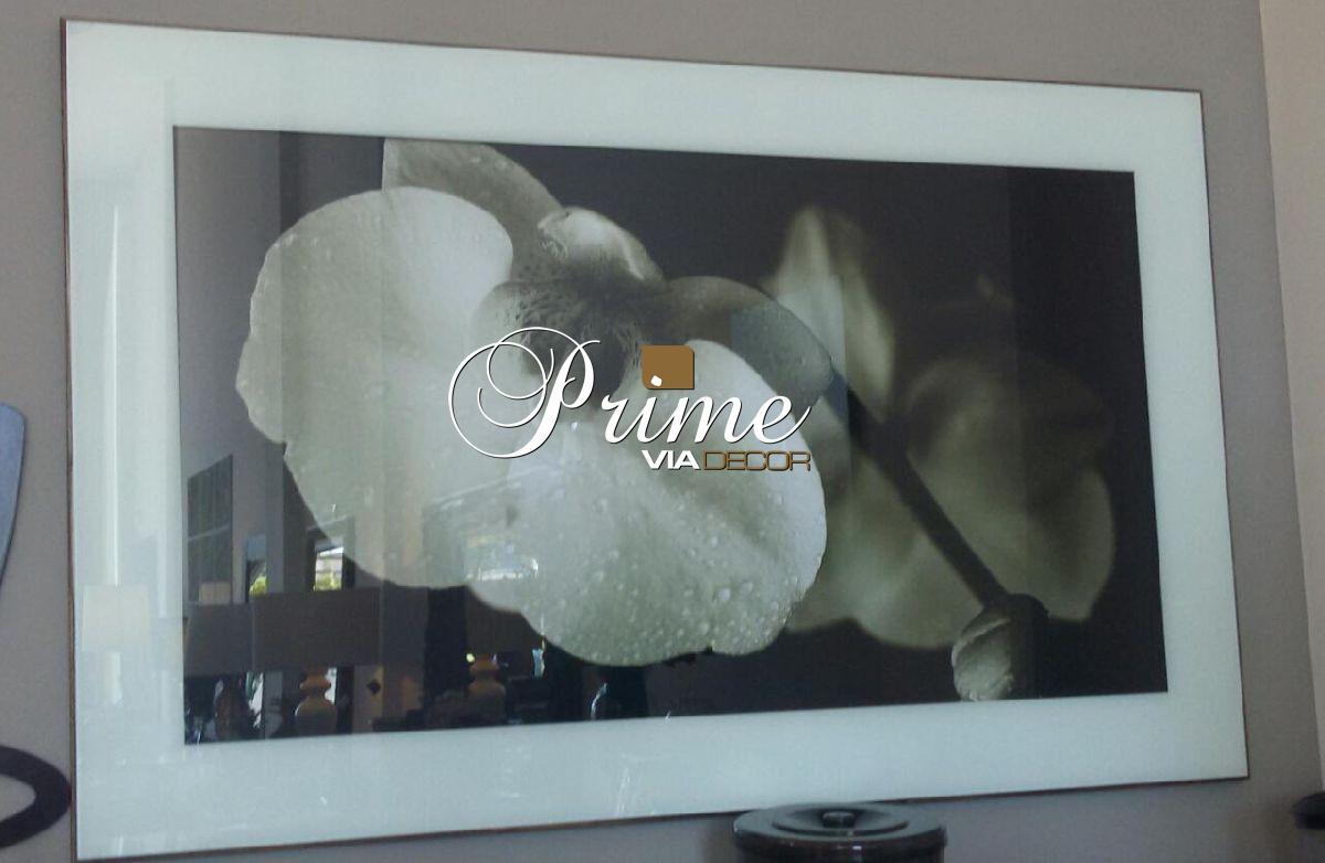 Quadro moldura branca flores cores neutras